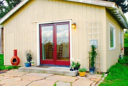 Sunny cottage On Organic Farm