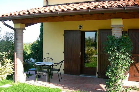 """Sangiovese"" Apt in the vineyards - Bed & Breakfast"