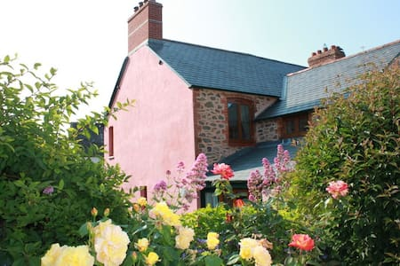Victorian cottage in Porlock Exmoor - House
