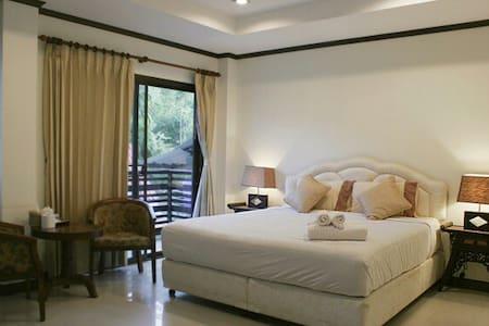 Double Bed w/balcony, beach 600 m - 公寓