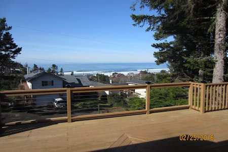 Ocean View Home Clean & Accessible - Mermaid Manor - Lincoln City - 民宿