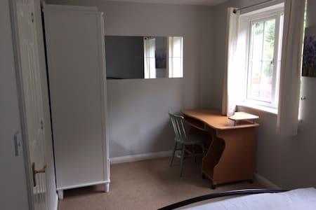Quiet double room in Crayford - Szeregowiec