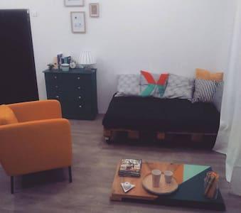 Appartement atypique Banlieue Parisienne - Wohnung
