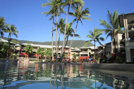 One bedroom seaside apartment - Palm Cove - Apartment