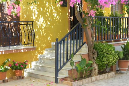 Gardenhouse in Center of Corinth, close to beach! - Korinthos