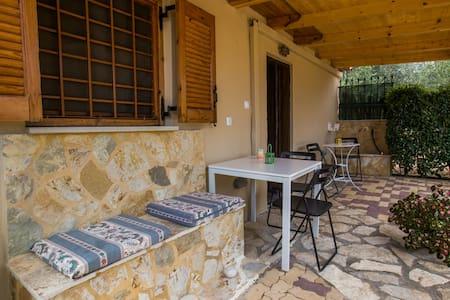 olive house studio - House