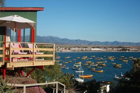 Cabaña para 2 personas espectacular vista al mar - Tongoy - Sommerhus/hytte