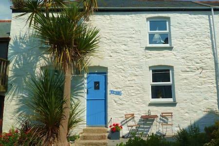 Blue Door Cottage - Porthleven - Hus