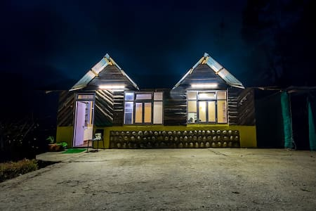 Mustard Seed Farm Stay (Luxury Cottages) - Hut