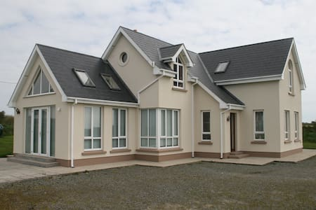 4 bedroom holiday home in Tacumshin - Wexford - House