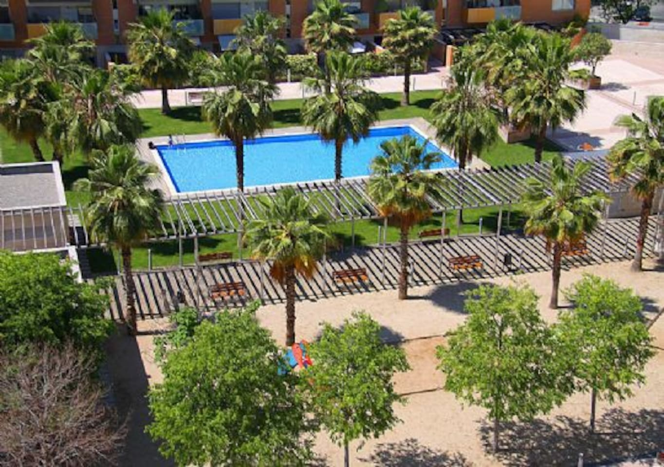 VILA OLIMPICA BEACH + SWIMMING POOL