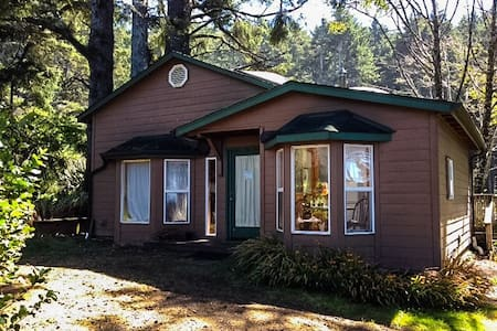 Room type: Entire home/apt Bed type: Real Bed Property type: Cabin Accommodates: 4 Bedrooms: 0 Bathrooms: 1