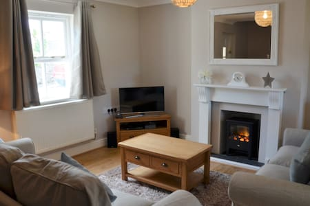 Stunning 3-bed cottage with garden,5 mins to beach - Manorbier - House