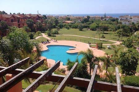 Luxury 1bed Penthouse, walk-2-beach - Estepona - Wohnung