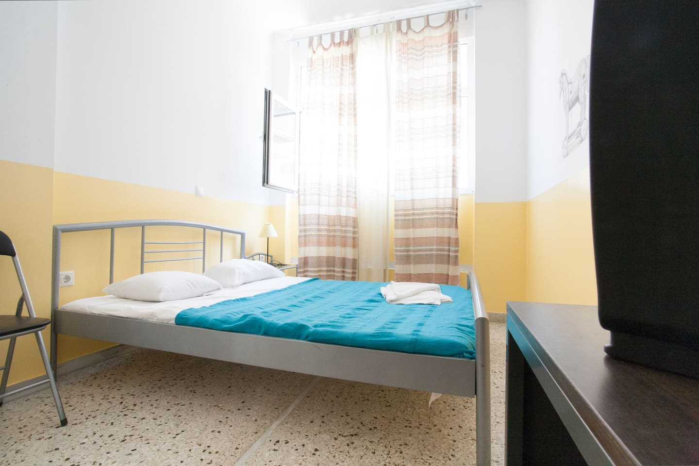 Double Room in the heart of Athens!