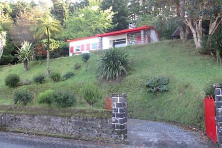 Furnas Lake Cottage - Maison