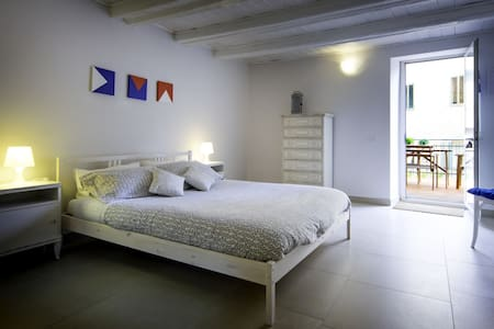 "B&B""A Portata di Mare"" Camera Barca - Loreto - Bed & Breakfast"