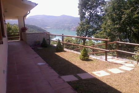 Villa panoramica indipendente - Villa