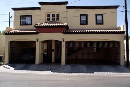 Departamento Ejecutivo Mexicali - Appartement