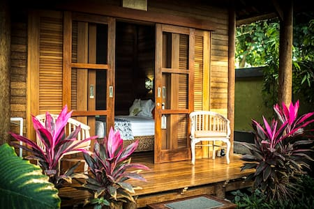Private, lush tropical gardens, peaceful. - Nusapenida - Boutique hotel