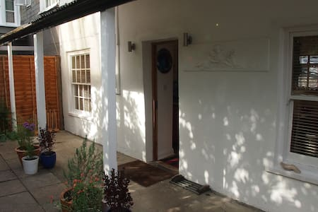 Priory Cottage - Totnes