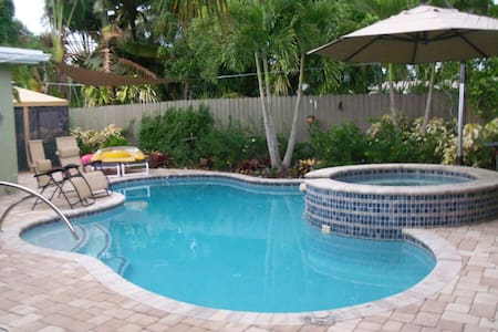 Private Bedroom, close to Wilton Manors. - Ház