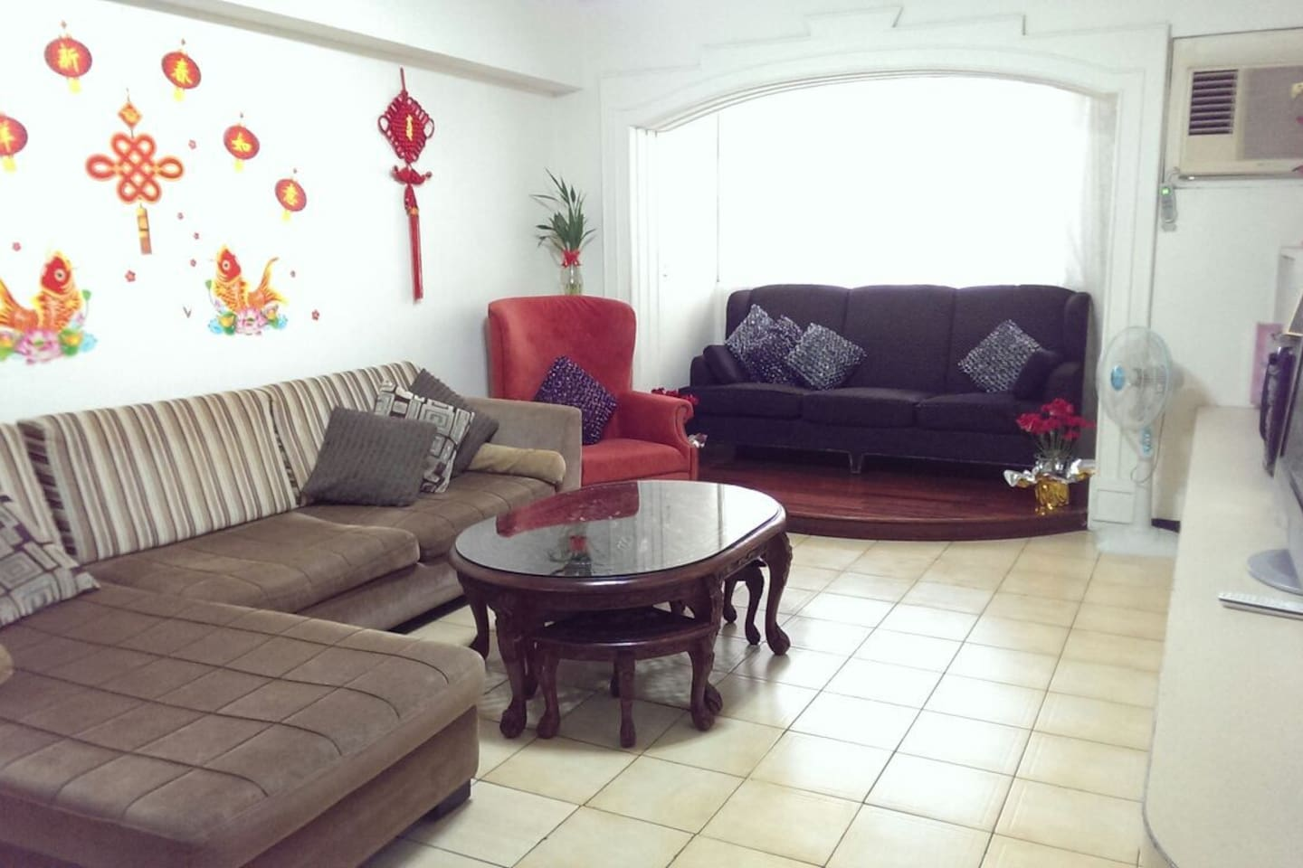 There are 3 rooms in apartment  You can rent one or two rooms, or whole apartment, the price see each picture description. Whole apartment(3 rooms) is US$110/night/5people, add 1people add US$5/night, can live 1-8peole.
