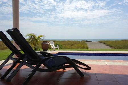 Private bungalow on Playa Barqueta