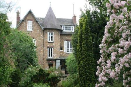 House between Versailles & Giverny - Hus
