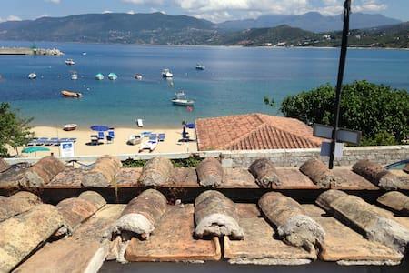 Vacanze, mare sulla spiaggia del Porto di Palinuro - Apartment