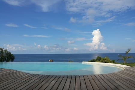 balila beach with view view view!!! - Bed & Breakfast