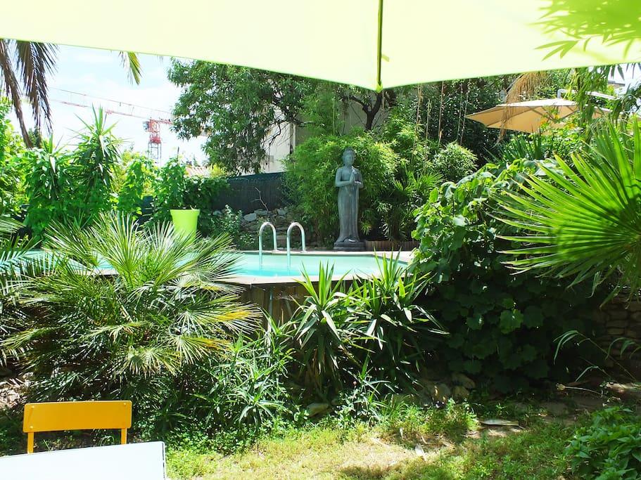 Votre studio avec piscine  jardin..