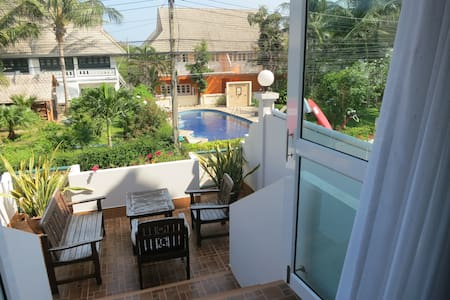 House 10, walking distance to beach - Rumah