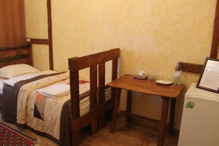 Machanents Guesthouse - Vagharshapat - Bed & Breakfast