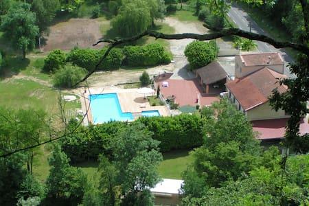 Gîte dans maison - Saint-Thomas-en-Royans - Haus
