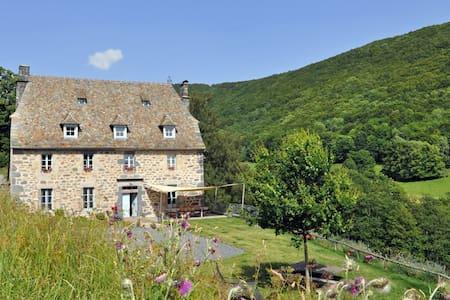 La Roussière - Suite de Marguerite - Saint Clément