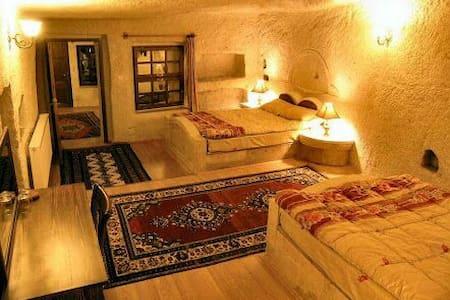 Suit 4 person-Lalezar Cave Hotel - Grotta