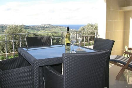 Nadur Gozo Apt with Fantastic Views - Nadur - Pis
