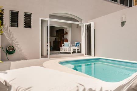Adorable Casa Colibri, beach 3 mins