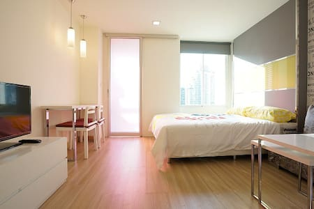 250m. to MRT (pool/gym/wifi &clean) - Apartment