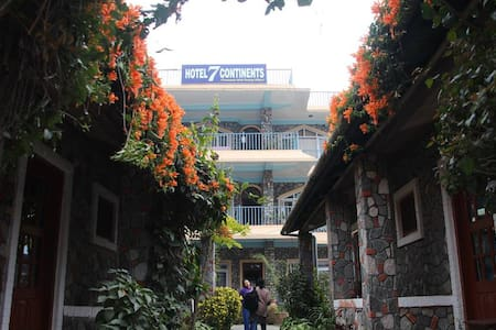 HOTEL 7 CONTINENTS (C)