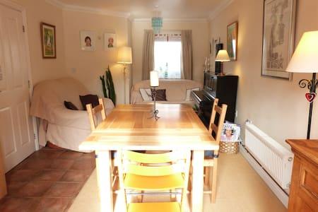 3 bedrooms in Calne nr Avebury