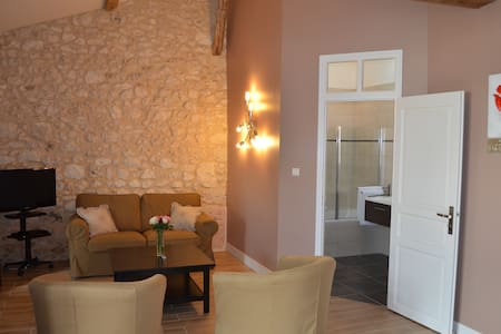 Luxury and charm PAUILLAC Suite - Bed & Breakfast