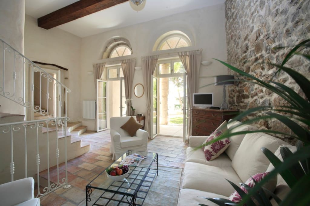Pézenas suite - our largest suite (garden level with private terrace)