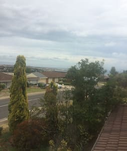 Lovely room in a lovely house - Hallett Cove