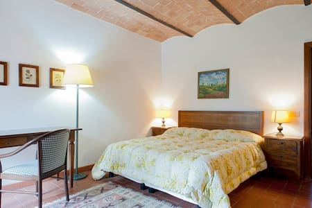 """COZY TWO-ROOMS FLAT """"ORTENSIA"""" - Volterra"""