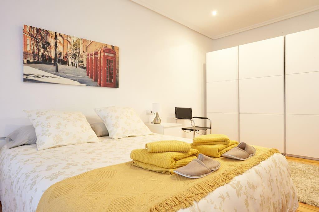 Apartamento estafeta san fermin apartamentos en alquiler en pamplona - Apartamentos san fermin new york ...
