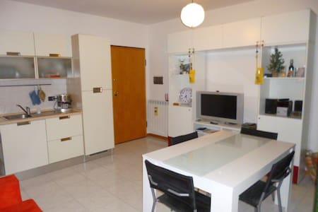 Comodo appartamento a Jesi - Apartment