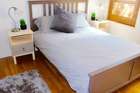 Large Private Room in Heart of Back Bay 2 - Boston - Condominium