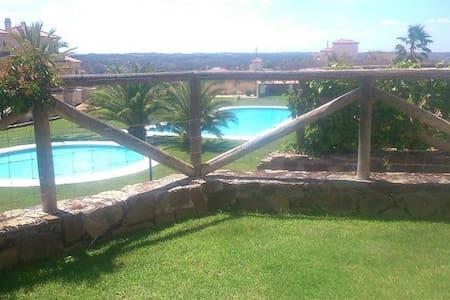 Chalet adosado en Costa Esuri con campo de golf - Ayamonte - Townhouse